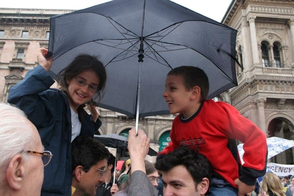 Send picture of Children at celebration of nazi liberation in Milan from Italy as a free postcard