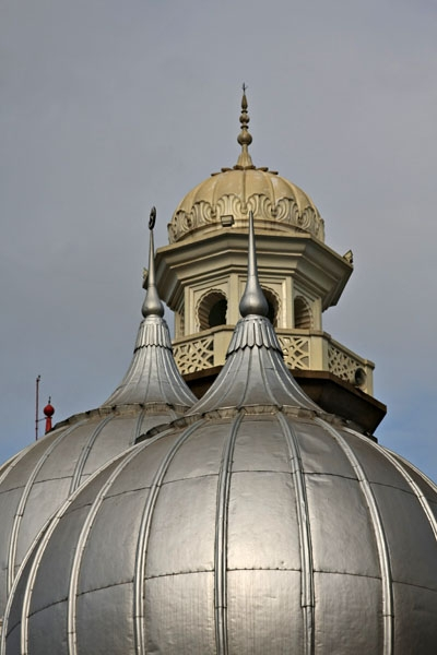 Send picture of Close-up of the domes of Jamia Mosque in Nairobi from Kenya as a free postcard