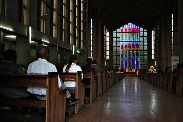 Envoyer photo de Interior of the cathedral of Nairobi de Kenya comme carte postale électronique