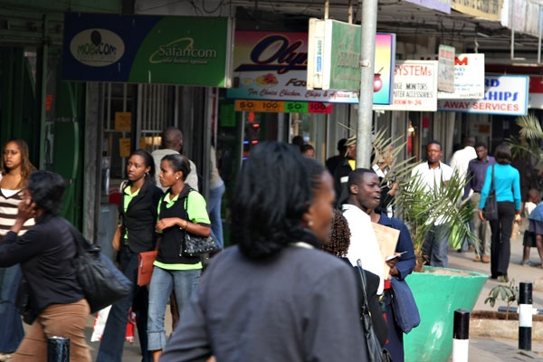 Send picture of Kenyans in a shopping street of Nairobi from Kenya as a free postcard