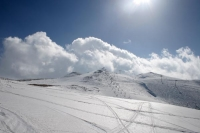 Photo de Faraya Mzaar ski area is less than an hours drive from Beyrut - Lebanon