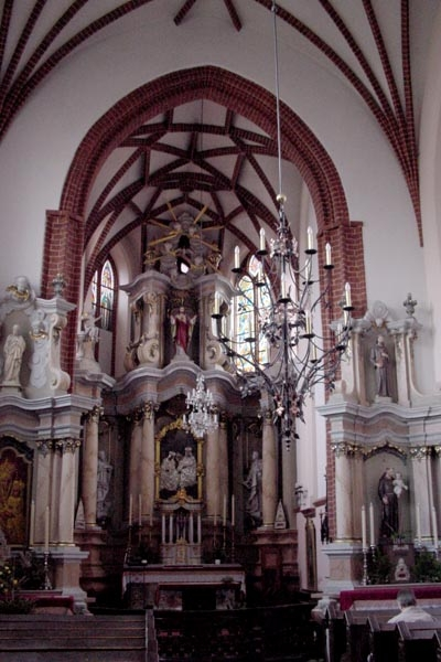Send picture of Interior of Vilnius Cathedral from Lithuania as a free postcard