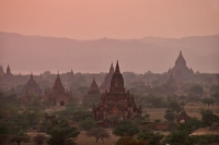 Foto van Bagan temples in late afternoon light - Myanmar (Burma)