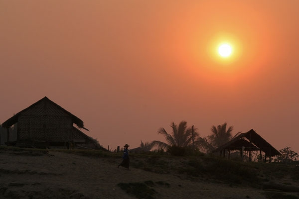 Send picture of Houses and sunrise by River Ayeyarwady from Myanmar (Burma) as a free postcard