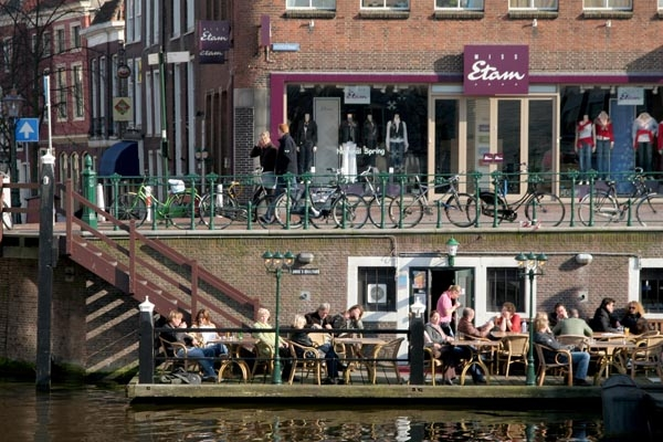 Send picture of Boat restaurant in Leiden from Netherlands as a free postcard