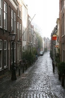 Foto van Small street in Leiden - Netherlands