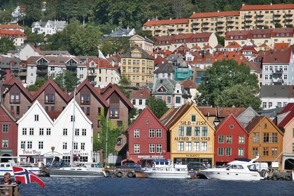 Stuur foto van Bergen waterfront houses van Noorwegen als een gratis kaart