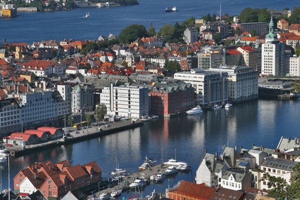 Send picture of View over Bergen houses and harbor from Norway as a free postcard