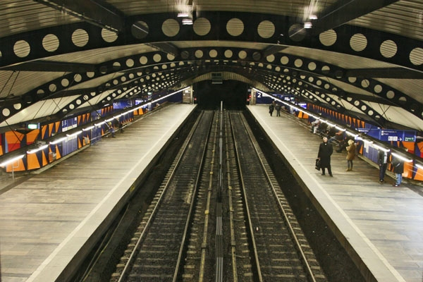 Send picture of View over tracks and platforms at Stortinget Station from Norway as a free postcard