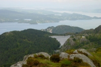 Foto van View over Bergen and surrounding nature - Norway
