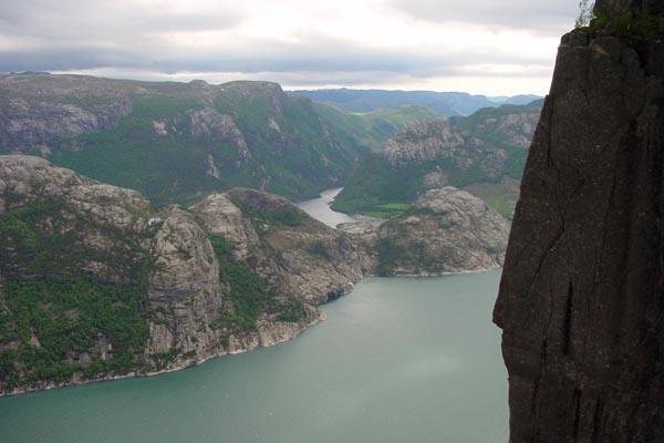 Stuur foto van Mountain view near Stavanger van Noorwegen als een gratis kaart