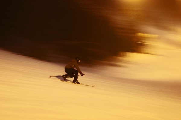 Send picture of Telemark skier at Tryvann Vinterpark near Oslo from Norway as a free postcard