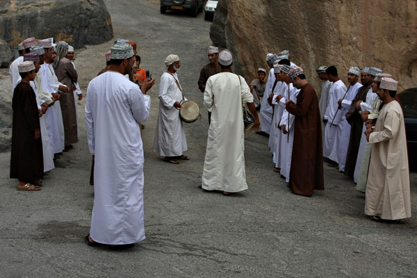 Envoyer photo de Eid celebration in the mountain village of Misfat de Oman comme carte postale électronique