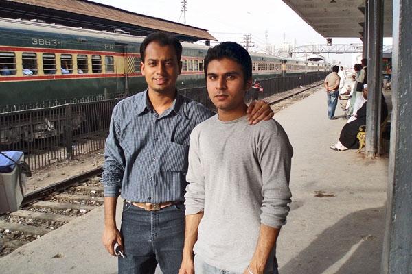 Stuur foto van Young men at Karachi Cantt van Pakistan als een gratis kaart