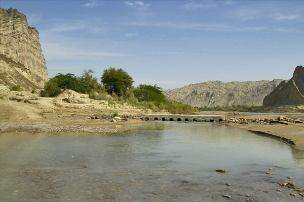 Send picture of Hungol River from Pakistan as a free postcard