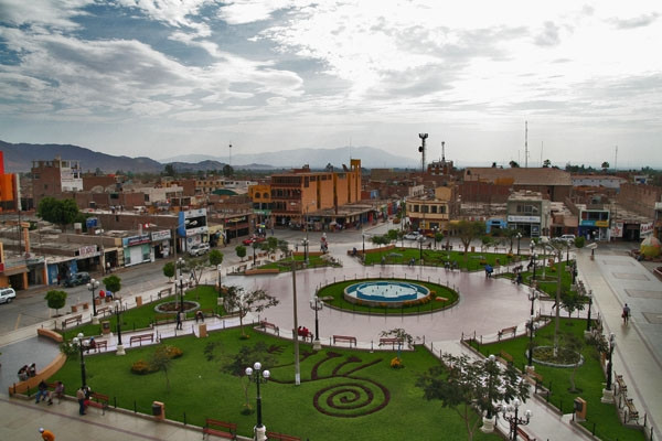 Send picture of Plaza de Armas in Nazca from Peru as a free postcard