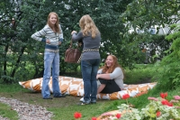 Foto van Young women in a park in Warsaw - Poland