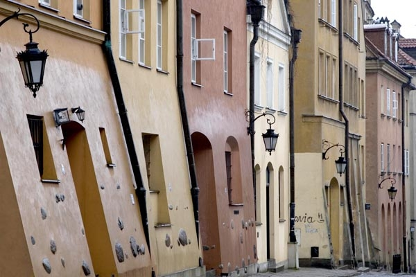 Send picture of Houses in Warsaw from Poland as a free postcard
