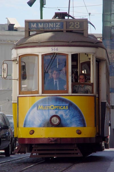 Envoyer photo de A Lisbon tram de le Portugal comme carte postale &eacute;lectronique