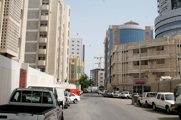 Send picture of A street in Doha from Qatar as a free postcard