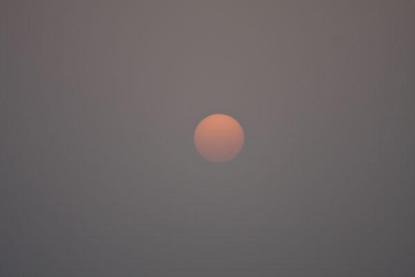 Stuur foto van Sun setting over the Qatari desert van Qatar als een gratis kaart