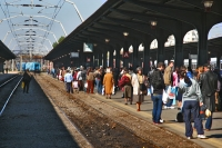 Photo de People at a trainstation in Bucharest - Romania