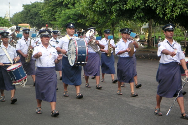 Send picture of Musicians in the Royal Samoan Band from Samoa as a free postcard