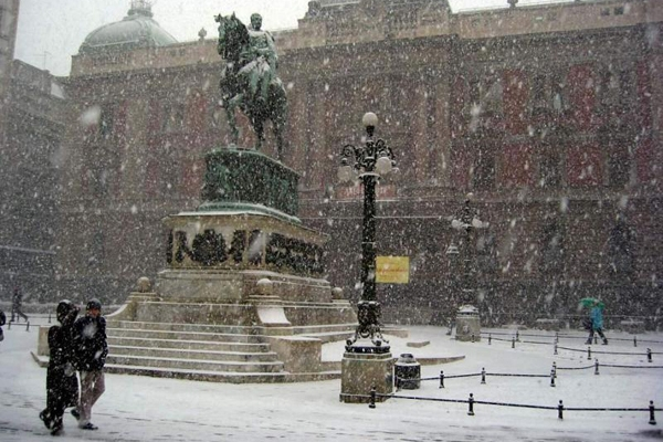 Prince Mihailo monument and National Museum in Belgrade on a winter day