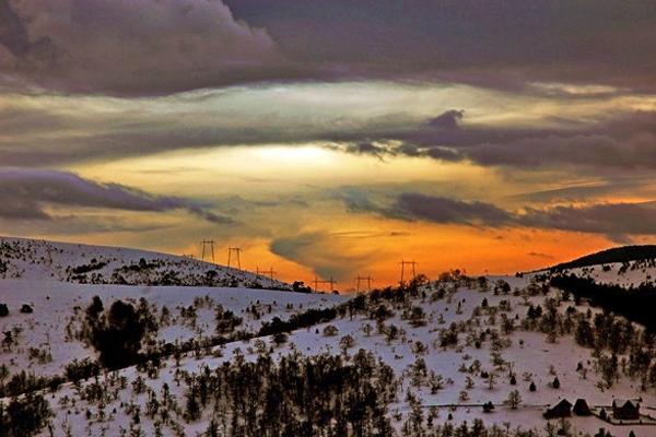 Spedire foto di Sunset at Zlatibor mountain di Serbia come cartolina postale elettronica