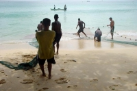 Foto di Fishermen on the job - Seychelles