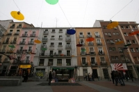 Foto di Colorful street lights in Madrid - Spain