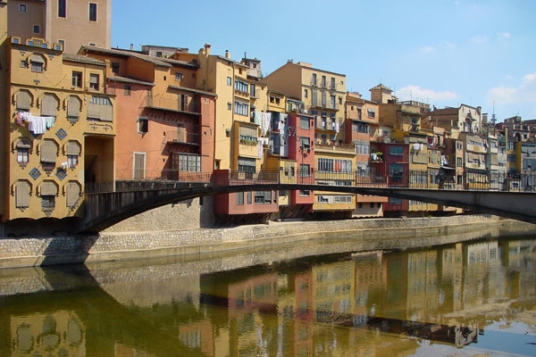 Send picture of Houses by canal in Gerona from Spain as a free postcard