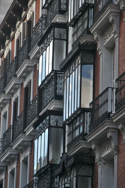Send picture of Close-up of an apartment building in Madrid from Spain as a free postcard