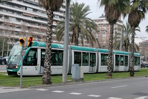 Send picture of Tram in Barcelona from Spain as a free postcard