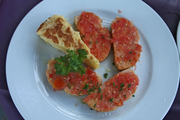 Send picture of Bread with tomato and tortilla from Spain as a free postcard