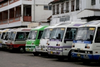Foto di Bus stop in Paramaribo - Surinam