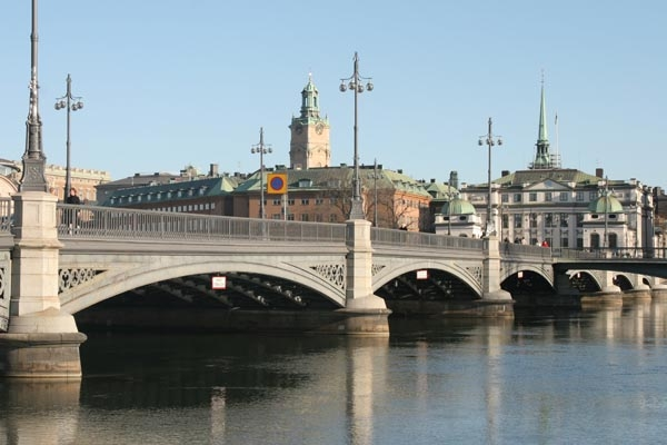 Send picture of Stockholm bridge from Sweden as a free postcard