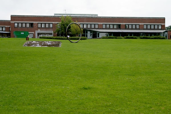 Send picture of University and grass lawn in Gothenburg from Sweden as a free postcard