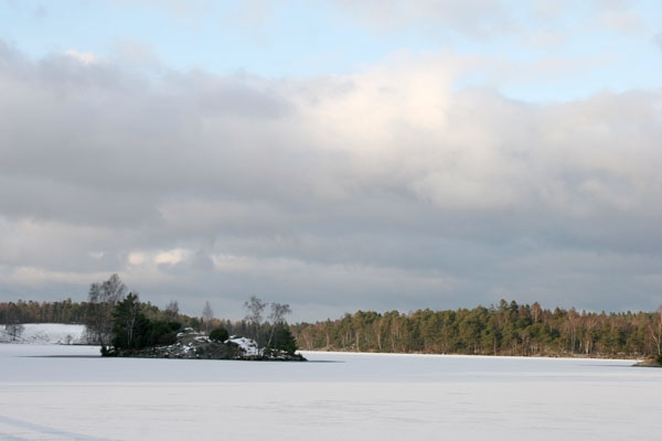 Send picture of Winter landscape near Gothenburg from Sweden as a free postcard