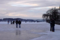 Foto van Walking on the frozen sea  - Sweden