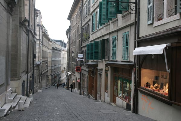 Send picture of Small street in Geneva from Switzerland as a free postcard