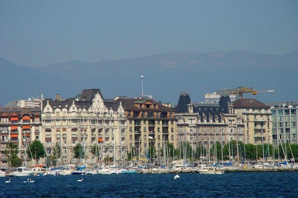 Send picture of View over Geneva from Switzerland as a free postcard