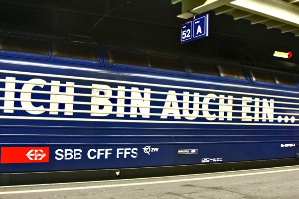 Send picture of Train in Zürich from Switzerland as a free postcard