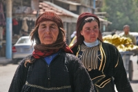 Foto van Women in the streets of Deir es Zor - Syria