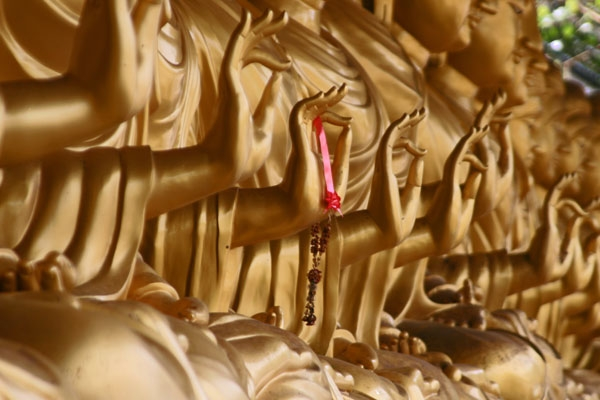  Golden Buddhas at Wat Khao Sukim