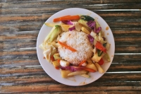 Foto di Typical Thai dish with rice and vegetables - Thailand