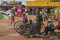 Foto di Bicycle repair shop in a village in western Uganda - Uganda