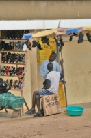 Foto di Shoe shop in western Uganda - Uganda