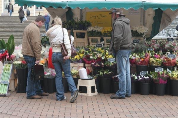 Stuur foto van Flower stand van Verenigd Koninkrijk als een gratis kaart