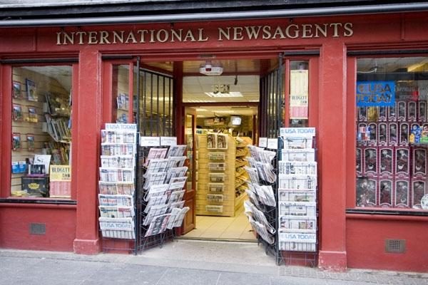 Stuur foto van Kiosk in Edinburgh  van Verenigd Koninkrijk als een gratis kaart